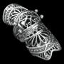 Harnas, skeleton en spike ringen