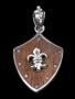 Ridderschild met Fleur de Lys (zilver, hout)
